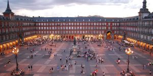 Plaza Mayor de Madrid, diseño de Juan Gómez de Mora (1619)